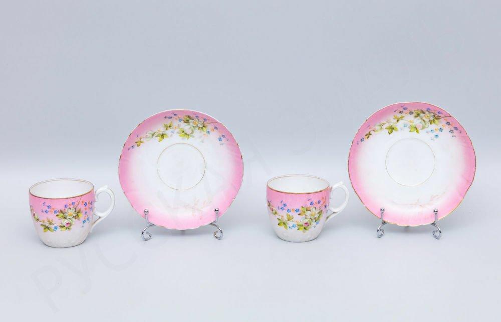 Две чайные пары с росписью цветами вишни на розовом фоне. Кузнецов